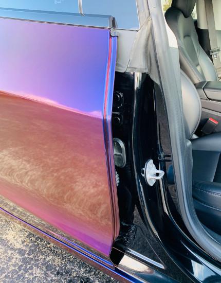 Professional car vinyl wrap around edges